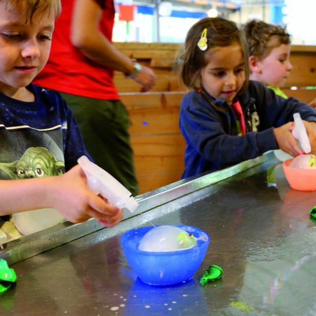 Ad Explora i bambini si divertono con il ghiaccio