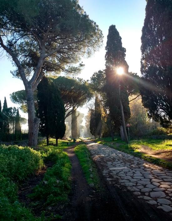 """Trenotrek lungo l'Appia antica leggendo """"Il fu Mattia Pascal"""""""