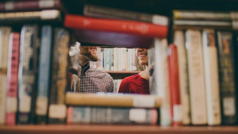 In biblioteca... con il sorriso
