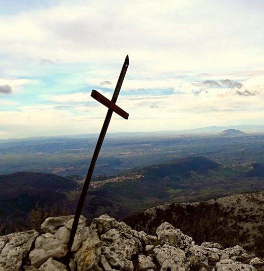 Librotrekking  Il dolore perfetto sul monte Serrapopolo