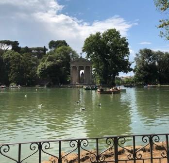 Villa Borghese: passeggiata nel cuore verde della città con Nomos Trek